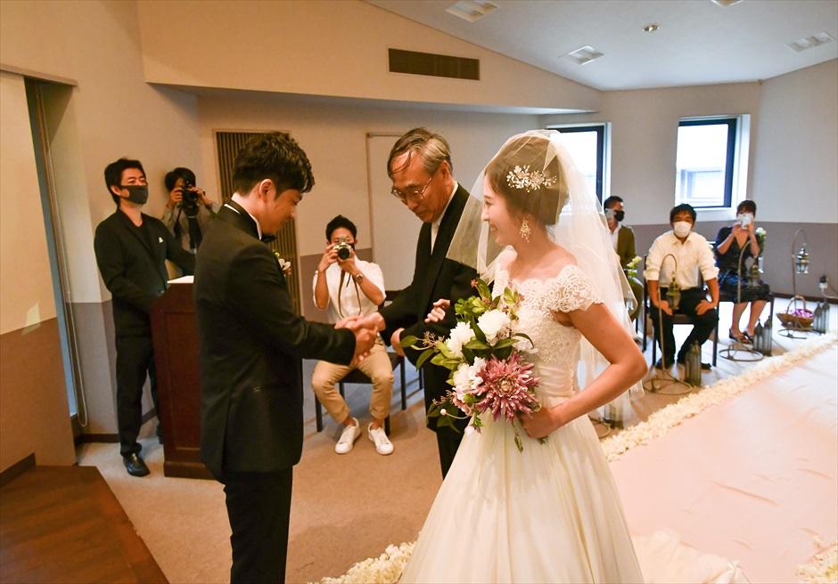 静岡結婚式 伊豆ウェディングドレス アンダの森挙式会場
